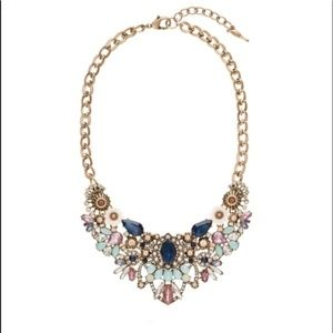 Chloe & Isabel Statement Necklace New in Box